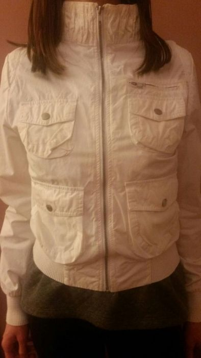 Бяло дамско пролетно яке