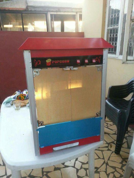 Máquina de pipocas ( Queima de stock)