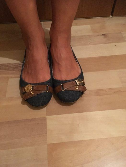 Обувки тип балерина, оригинални на Guess