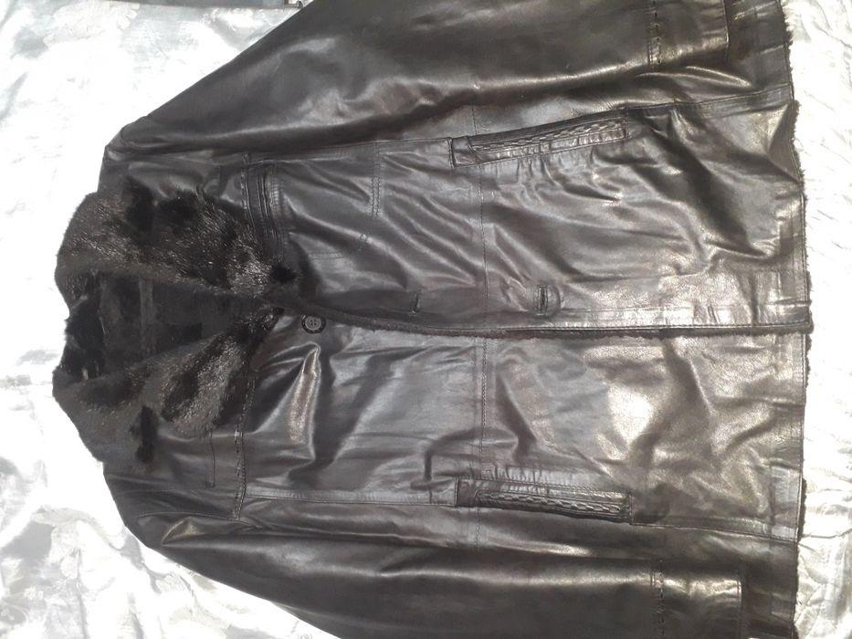 Продам мужскую зимнюю кожаную куртку