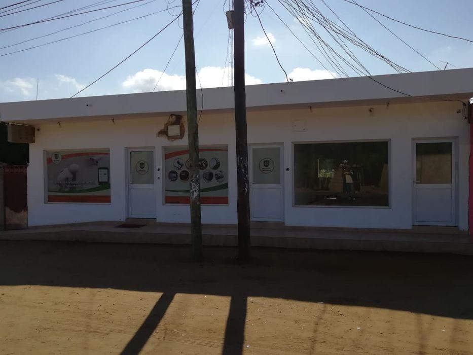 Arrenda se pra fazer farmácia ou escritório na MoZal 48m'2 negociaveis