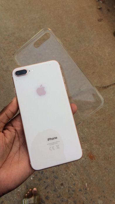Vendo ou troco o meu iPhone 8 Plus de 64 gb