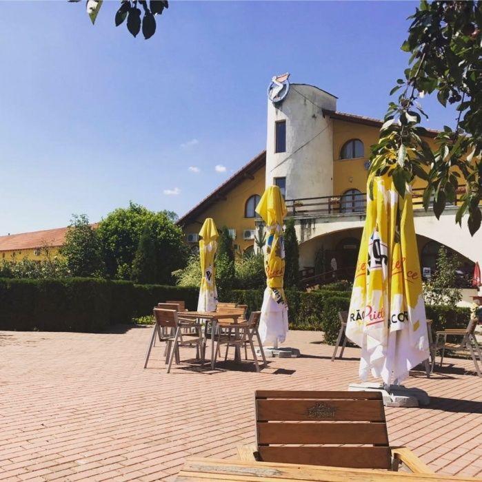 Pensiune-Hotel -Complex turistic de vanzare la cheie in orașul Salinei