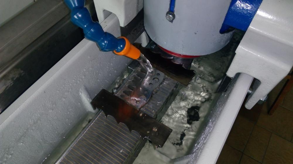 Заточване на индустриални ножове за дробилки,абрихт, фрези и др.