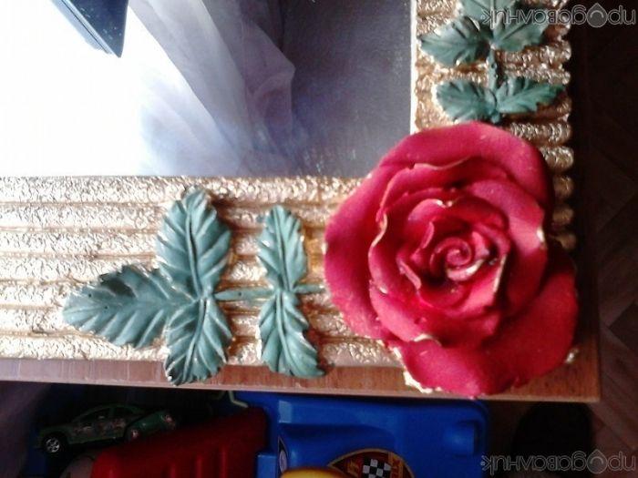огледало в рамка с рози