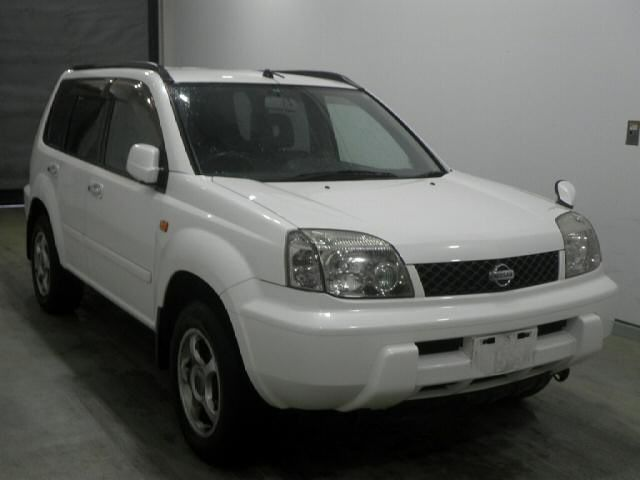 Ниссан Х-трайл Nissan X-Trail 2002 года