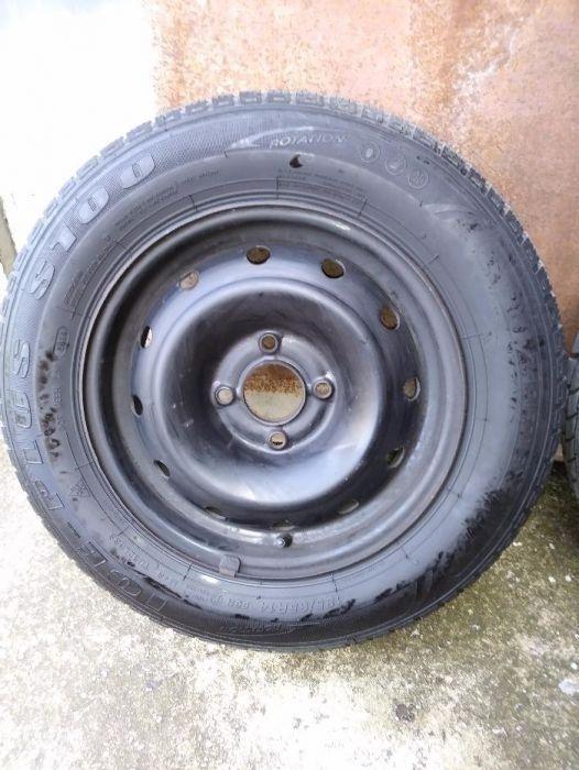 Зимни гуми с джанти 14 цола 4 бр. за пежо, ситроен