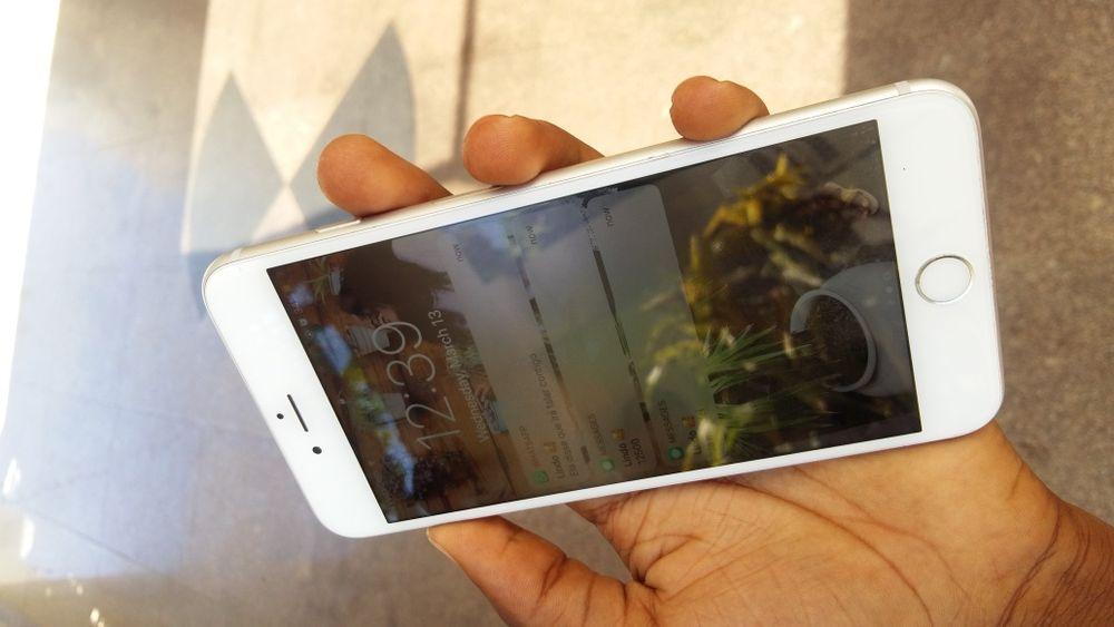 IPhone 6S + carregador