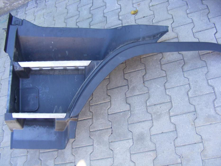 Scara superioara dreapta stanga piese dezmembrari Volvo FH