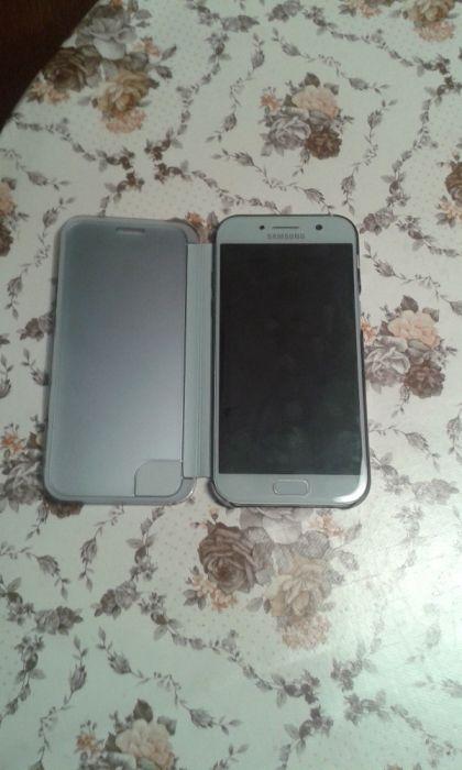 Продавам Samsung A5 2017 dual с остатъчна гаранция
