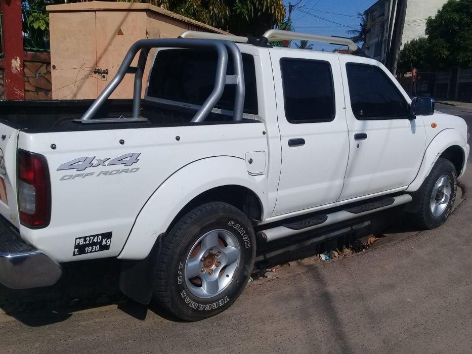 Nissan hardbod