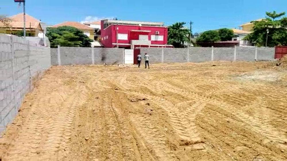 Terreno no talatona bairro Militar na logistica