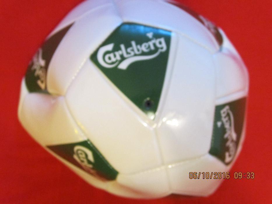 Minge fotbal Carlsberg noua -un cadou perfect