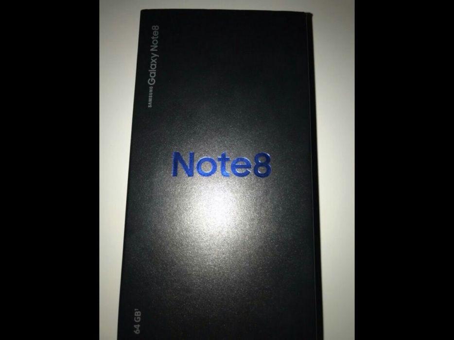 Note 8 na caixa