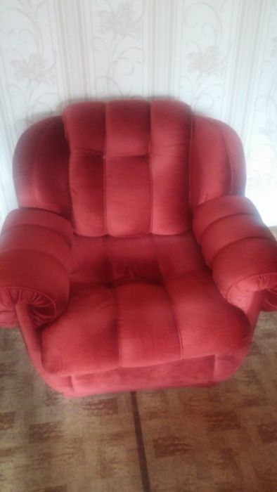 """Продам мягкую мебель, стол со стульями, журнальный столик """"Мануэлла"""""""
