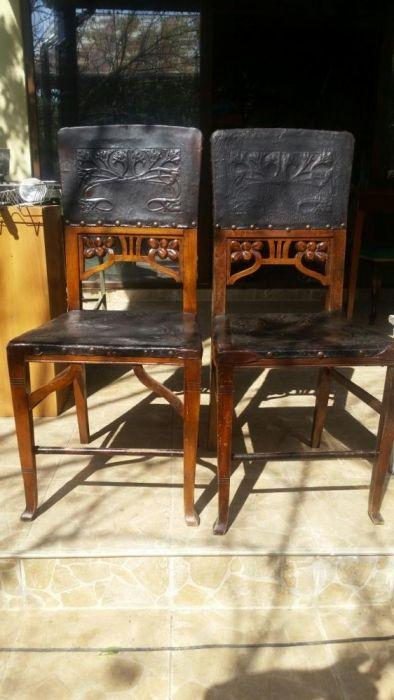 Vand scaune foarte vechi