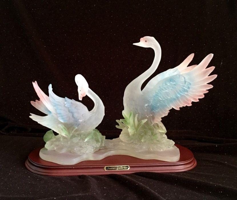 Продам сувенир Лебеди!