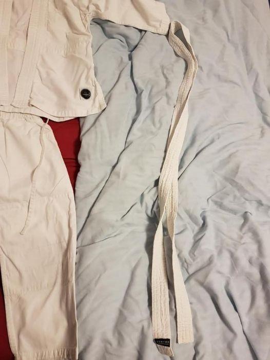 Costum karate copii dechatlon masura 120