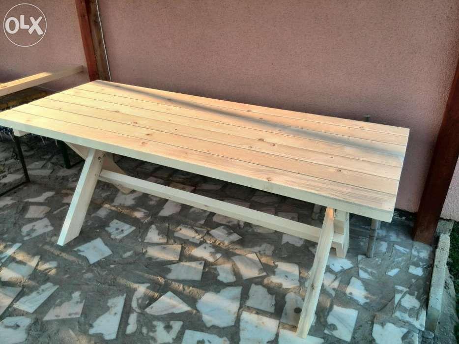 Masa exterior din lemn