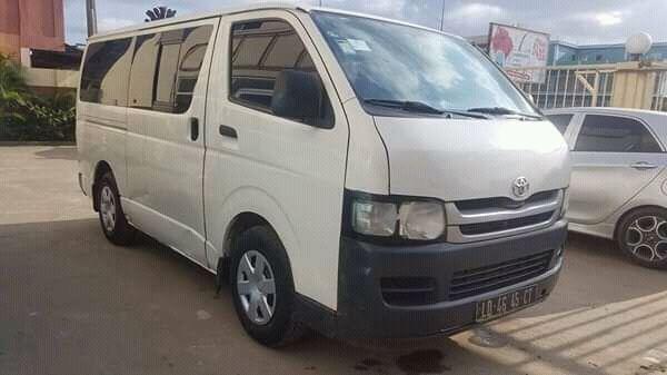 Toyota Hiace Quadradinho