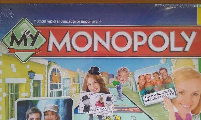 Joc de societate f.rar Monopoly personalizabil, Hasbro,romana,in tipla