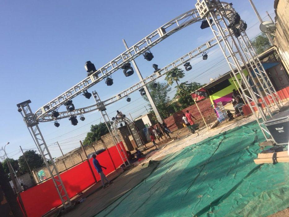 Aluguer e montagem de ecrã led gigante, som, palco, luzes pr eventos