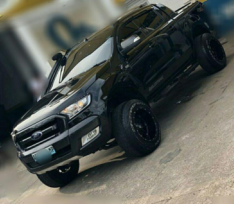 Vendo minha Ford ranger Wildtracker 2017 Auto 4x4 jantes e suspensão