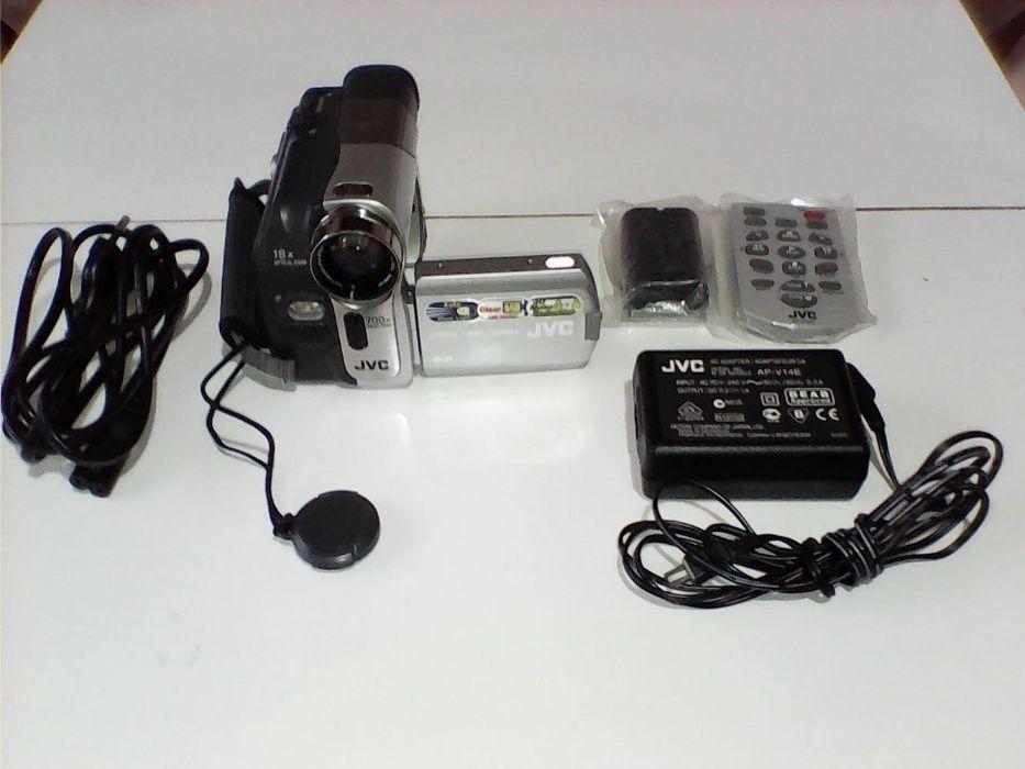 Продавам дигитална камера - JVC
