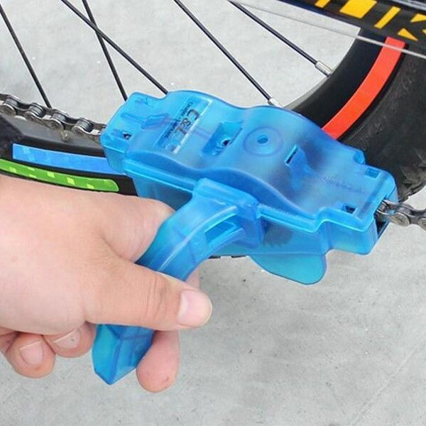 Dispozitiv curatare spalare degresare lant bicicleta caratator perie