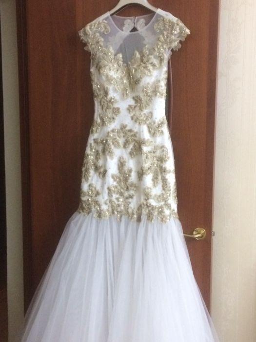 Изящное роскошное платье на торжества