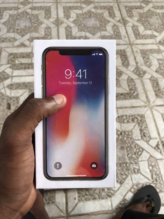 IPhone X 256GB novo na caixa selado com todos acessórios