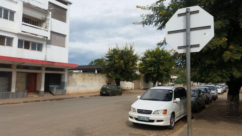 Edifício multifuncional de comercio e indústria na Cidade de Xai - Xai