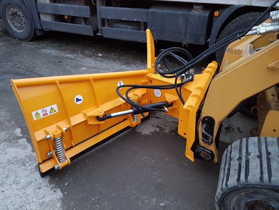 "Plug in ""V"" pentru Tractor"