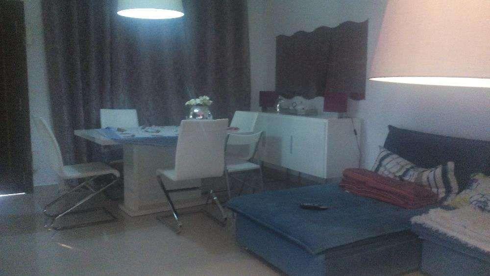 Casa a vendaT3, no condominio (Acacia Vilages Viana)