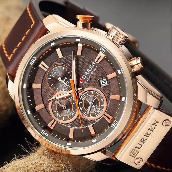 Relógio Curren 8291 de couro.