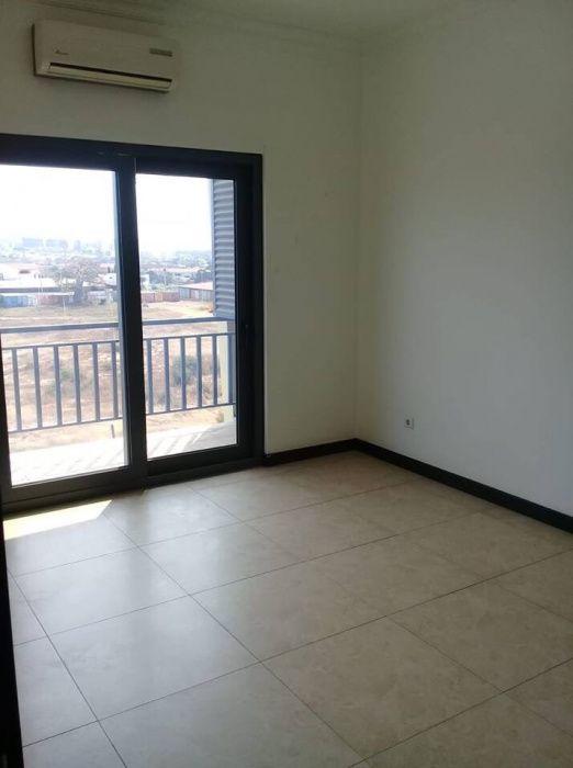 Apartamento T3 Edifício Via do Patriota Benfica - imagem 3