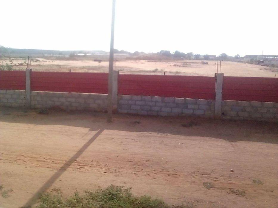 Vende-se este terreno de hectares no viaduto do zango