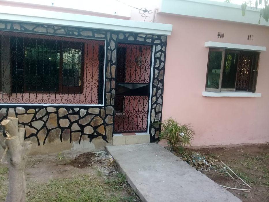 Vendo casa tipo 2 na Mozal