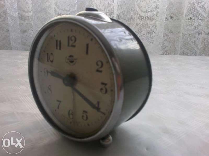 Продавам будилник АРАРАТ-СССР 1957 г.