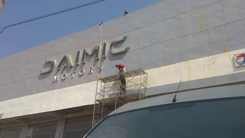 Construções e Remodelações.
