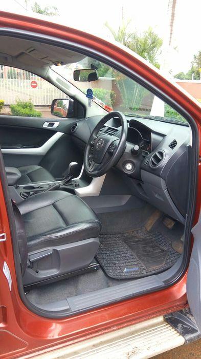 Mazda BT50 3.2 diesel 4x4 impecável Cidade de Matola - imagem 7