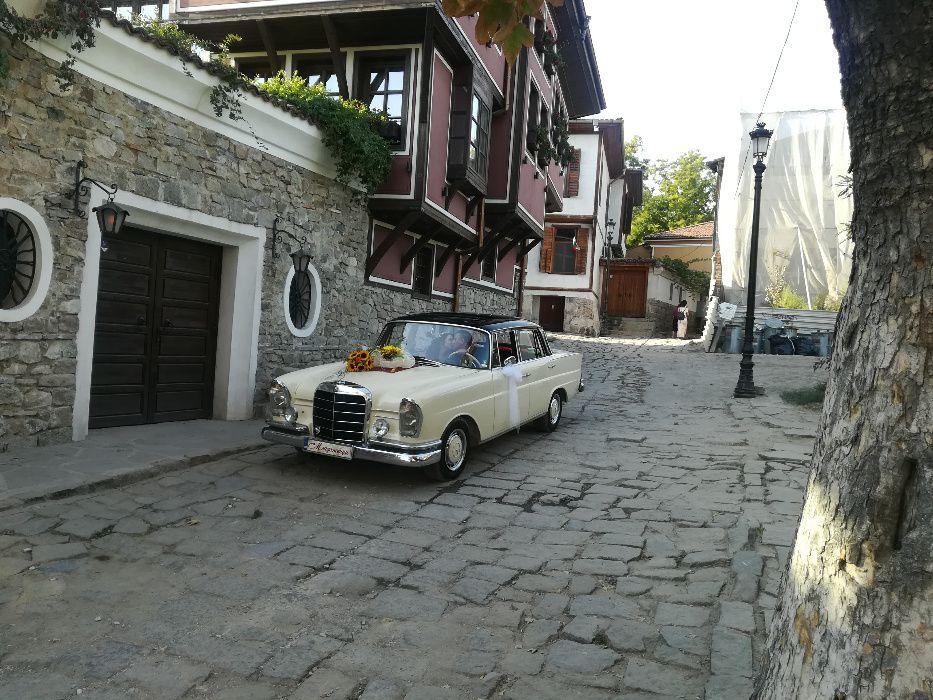 Луксозен ретро автомобил Мерцедес под наем с шофьор