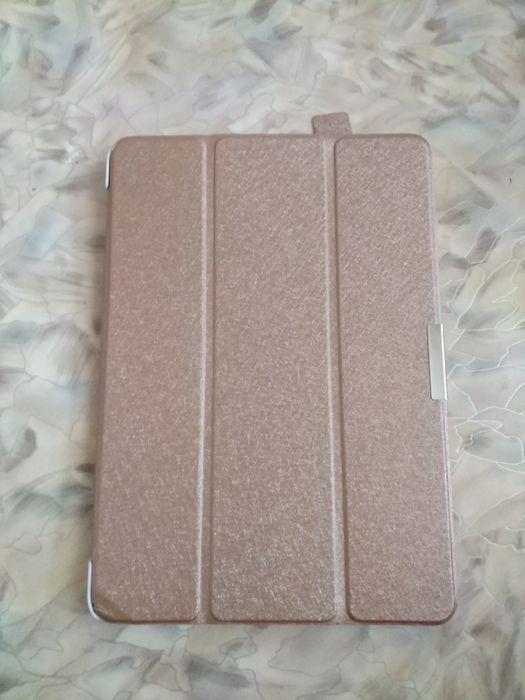 Продам магнитный чехол на планшет Asus103c