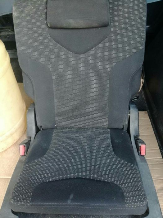 Седалки под наем за Пежо 308 SW