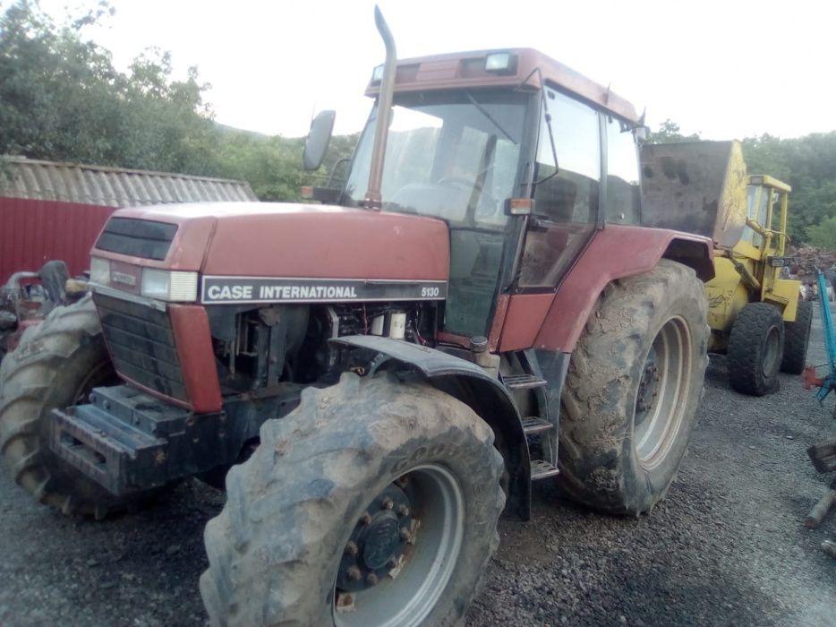 Dezmembrez Tractor Case Internațional 5130