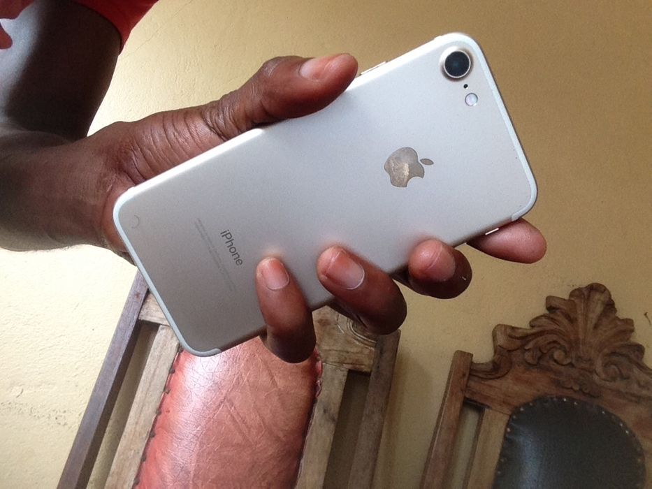 iPhone 7 Gold novo bloqueado por Icloud