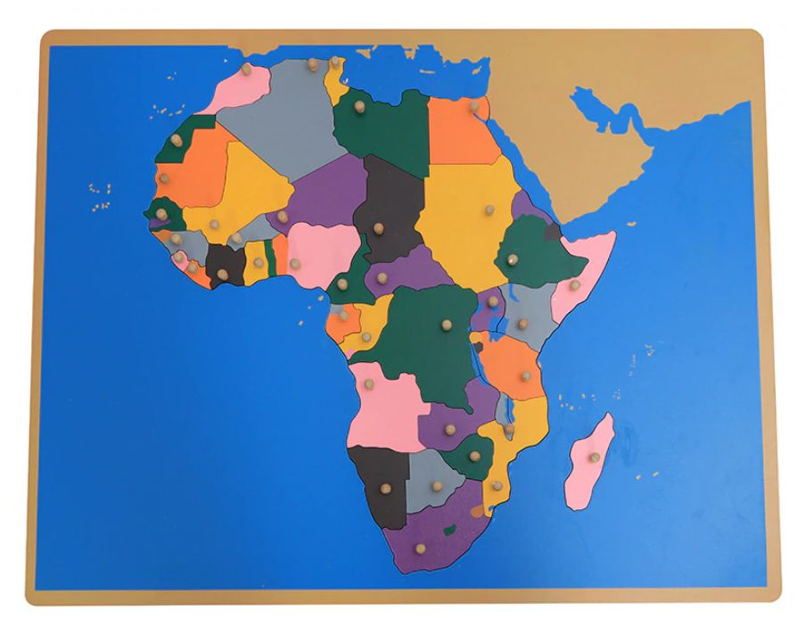 Обозначена карта на Африка от дърво с основните държави ВСИЧКИ ДЪРВЕНИ