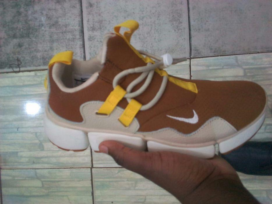 Nike rasa brown