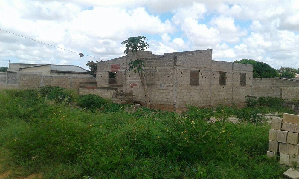 Vendo esta casa por acabar na cmc circular bem localizado Magoanine - imagem 1
