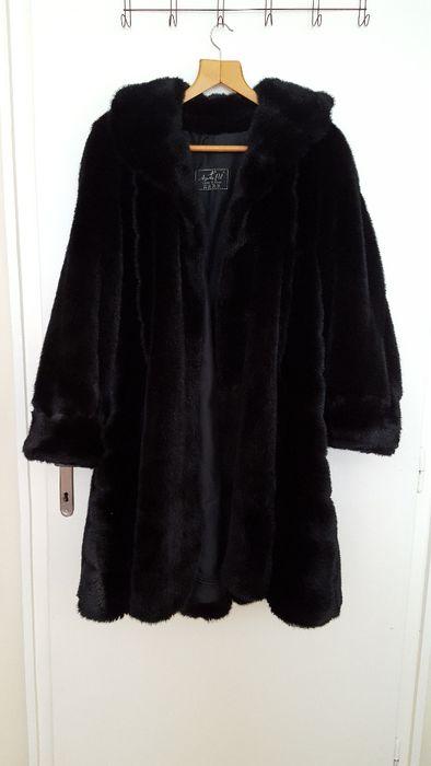 Дамско палто от еко кожа